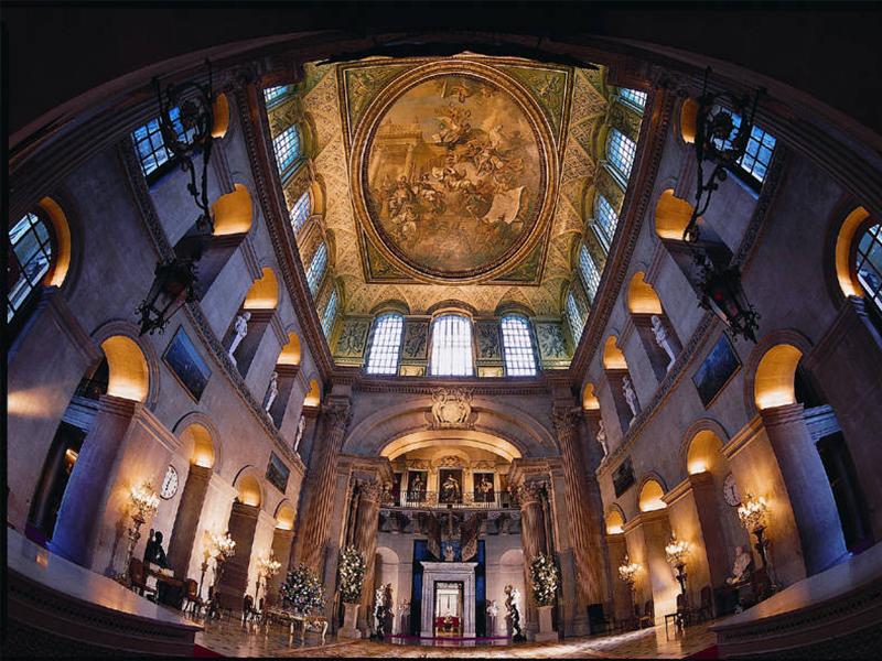 Внутри Бленхеймского дворца