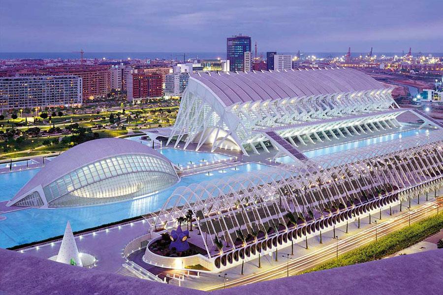 Город искусств и наук в испанской Валенсии
