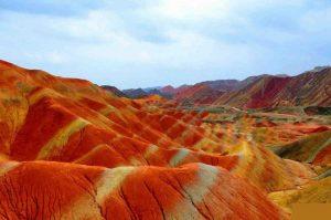 Разноцветные скалы Чжанъе Данься Китай