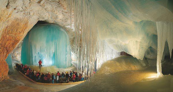 Пещеры Айсризенвельт