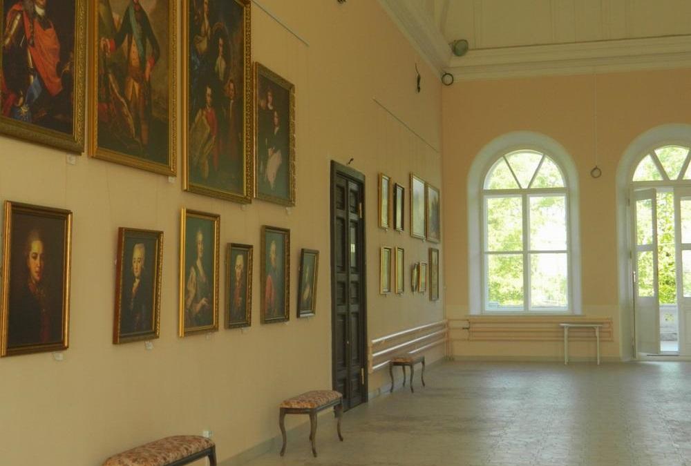 Музей истории и художеств в Шереметевском замке